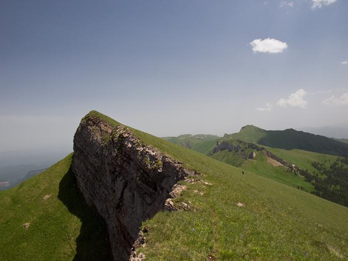 хребет Агиге