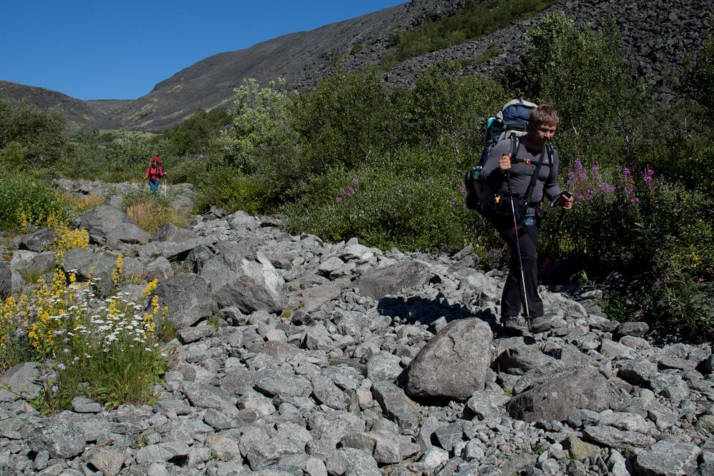спуск перевал Эльморайок в сторону Ловозеро