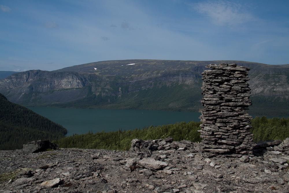 каменный столб Ловозеро
