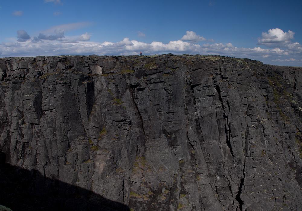 скальные стенки озеро Райявр