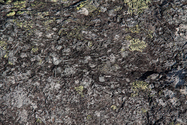 камни Ловозеры
