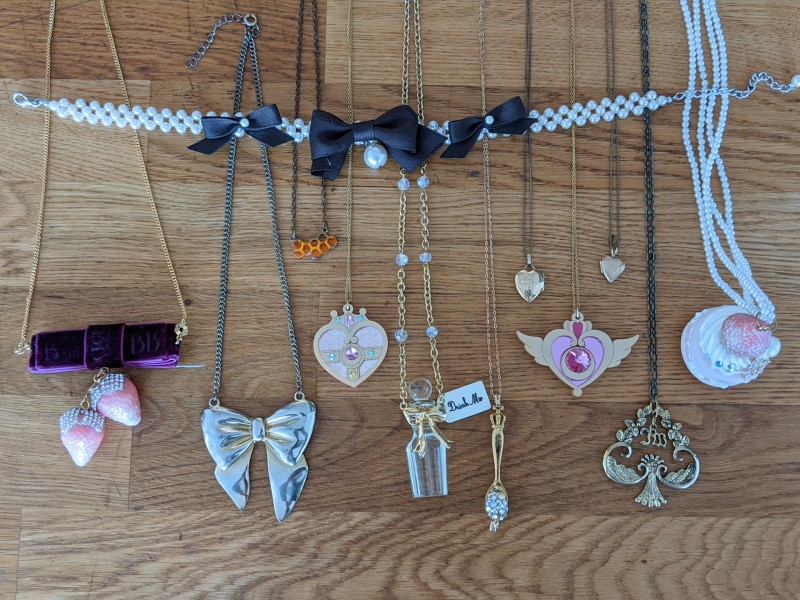 Top: Innocent World. Bottom: BB&B Deco, offbrand, jelly ultra, kuma crafts, AP, BB&B, offbrand, kuma crafts, offbrand, IW, BB&B