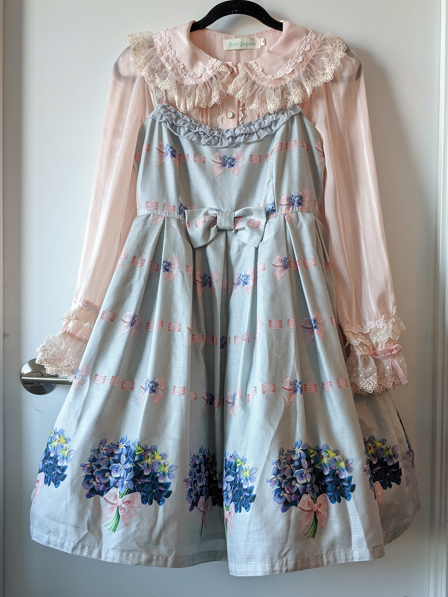 Ribbon and Bouquet by Leur Getter, blouse from Taobao