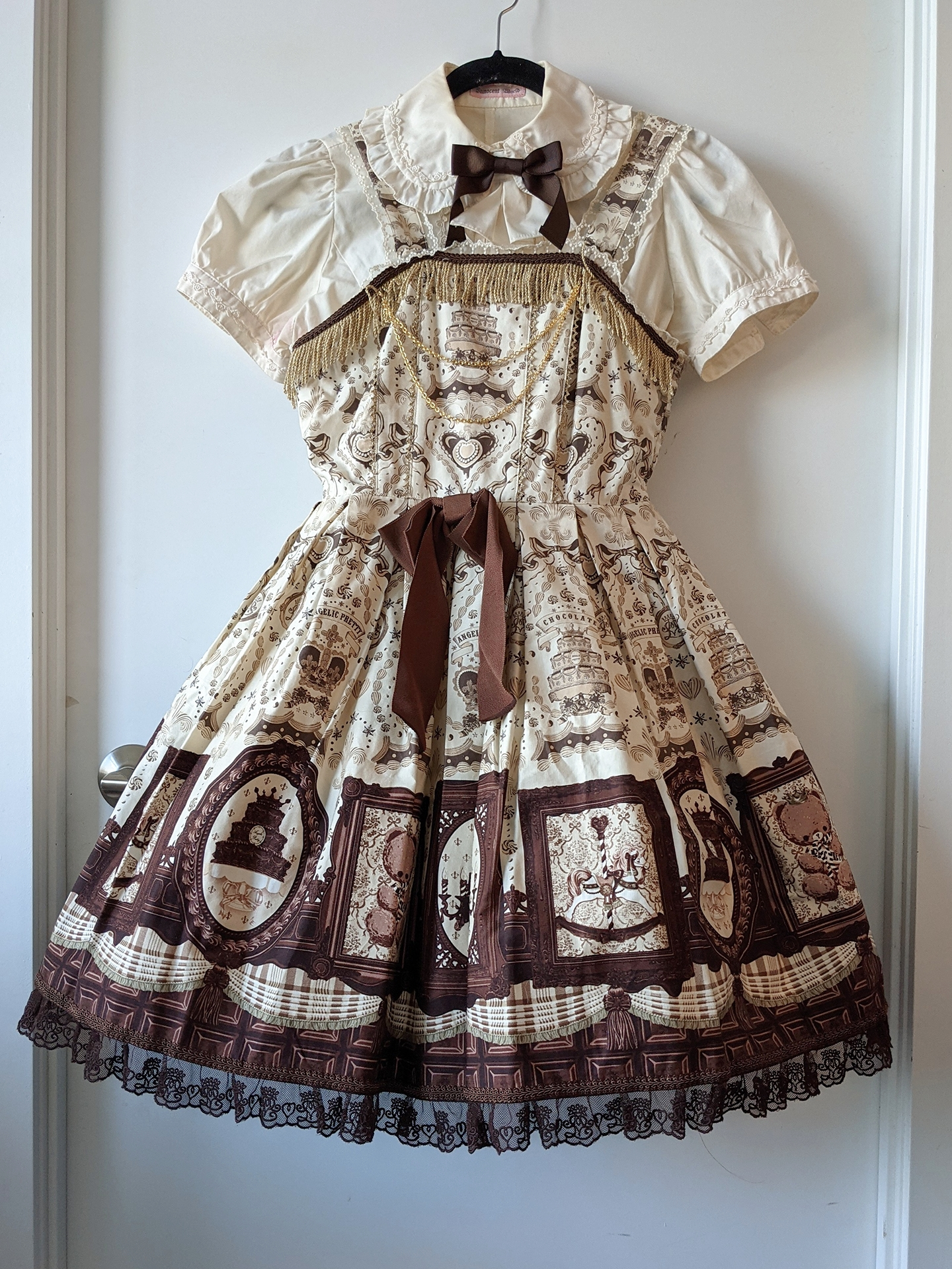 Musee du Chocolat by Angelic Pretty, blouse by Innocent World
