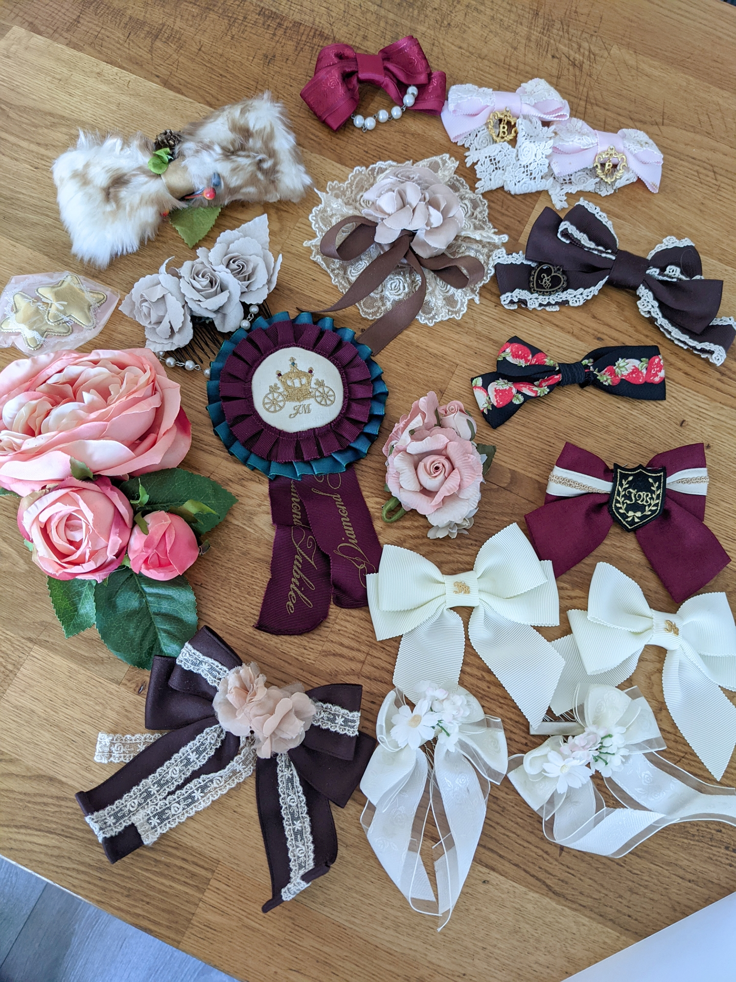 Assorted bows and clips