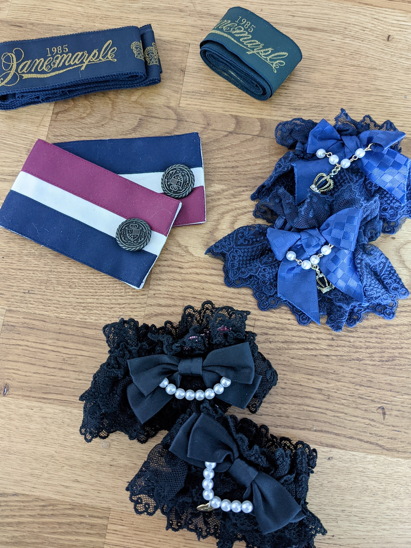 Belts by Jane Marple, sailor cuffs: Victorian Maiden, blue cuffs: Taobao, black cuffs: AP