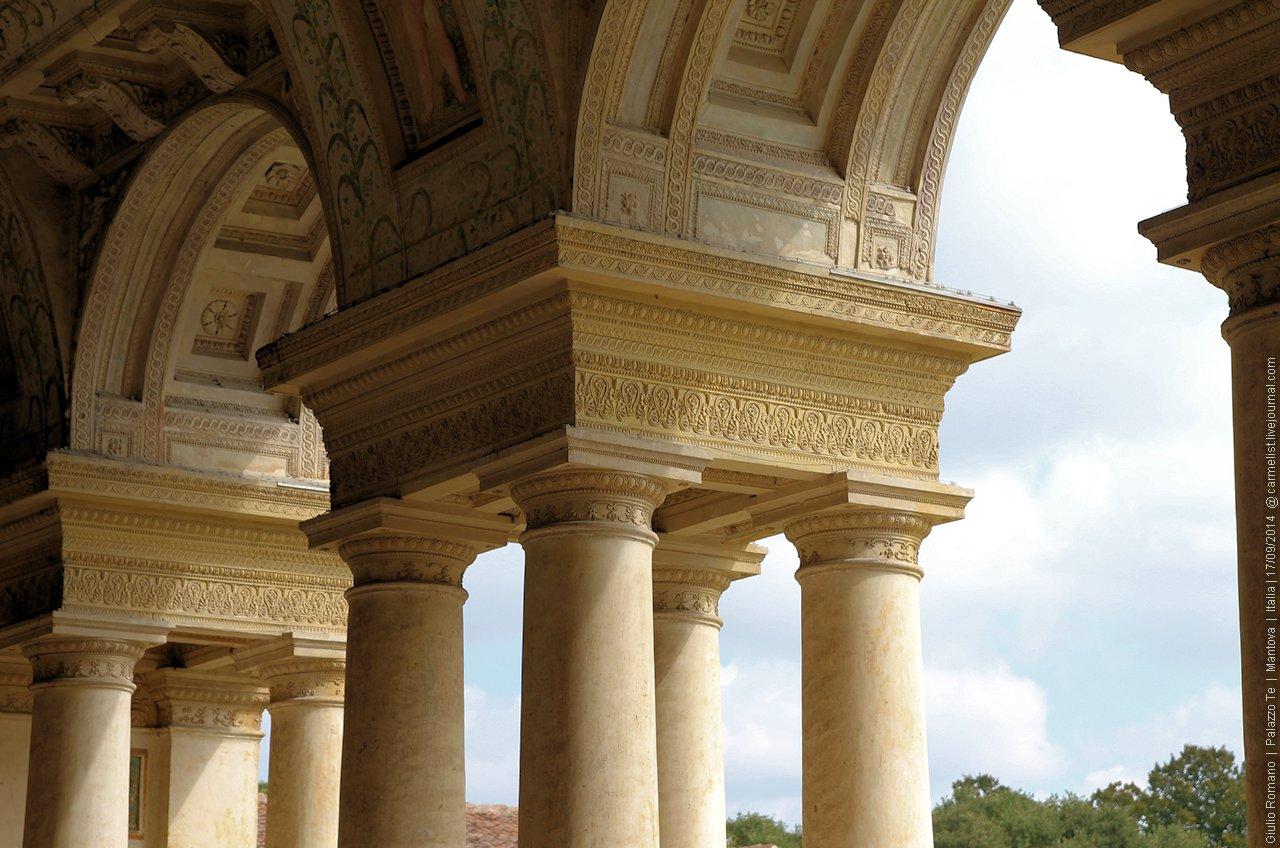 одной картинка с греческой колонной было, этих