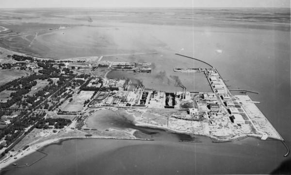 1600px-Vista_general_de_la_Base_Naval_de_Puerto_Belgrano_en_1943