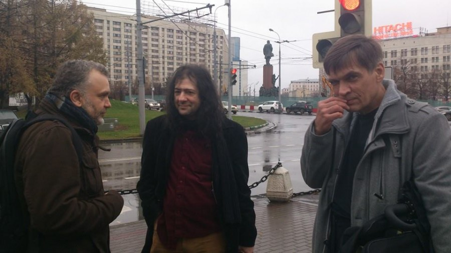 Слева направо: П. Холобаев, Артур Аристакисян и Андрей Степанович Толоконников, Надин отец