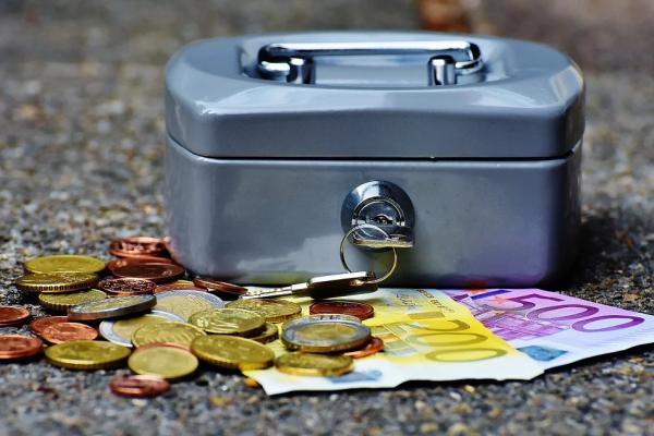 В России предлагают изменить Уголовный кодекс для законной конфискации валюты