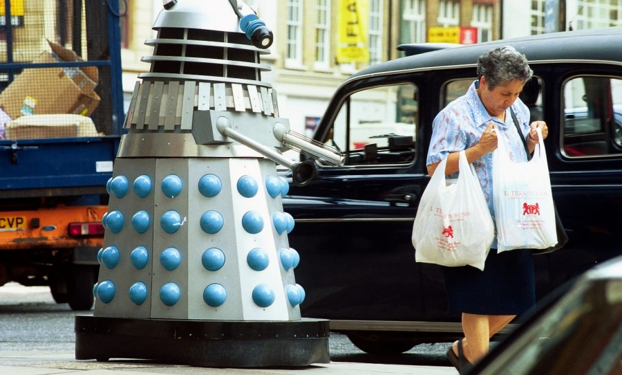 Dalek-ordering-humans-to-stay-at-home
