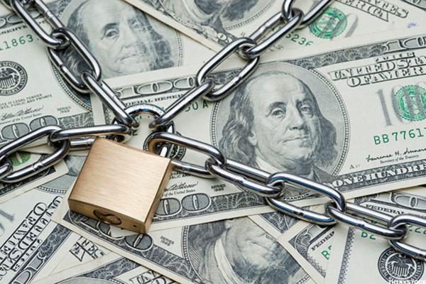 Минфин начал готовиться к аресту валютных резервов России