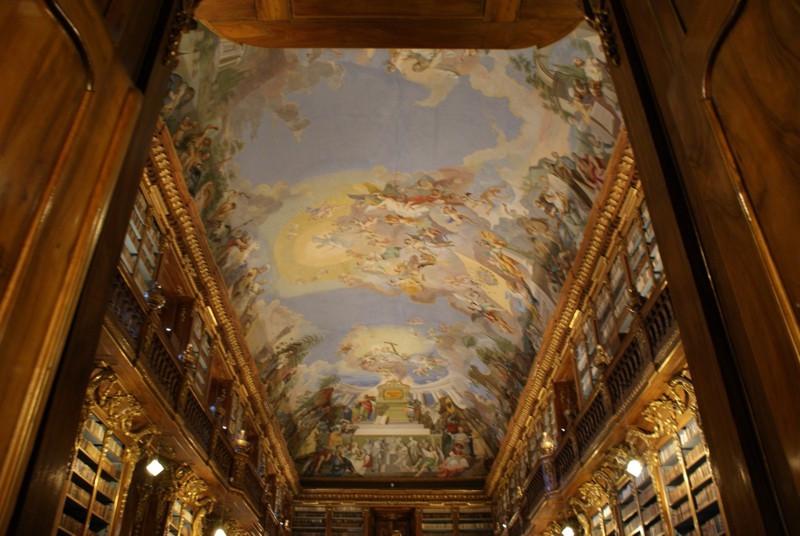 Библиотека в Страговском монастыре.