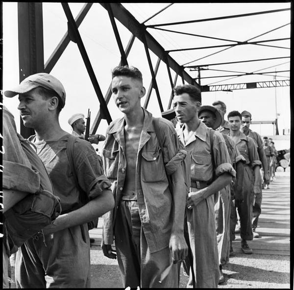 Фр пленные прибыли в Хайпонг 1954 фото  Тиро