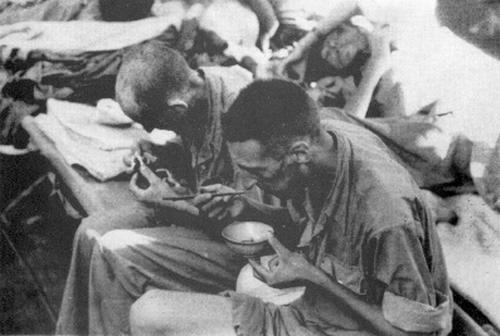 Фр пленные едят рис
