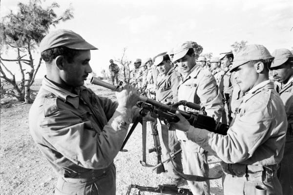 Солдаты с оружием2