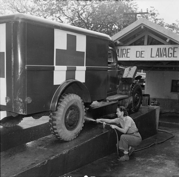 Мойщик авто 1954 Тонкин Д Камю