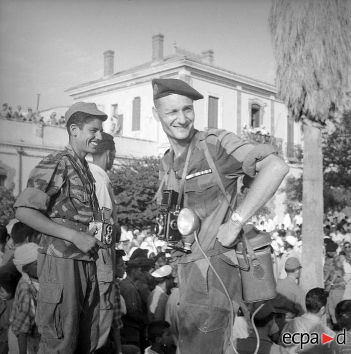 Ст сержант Фламен 3 ПКП и помощник фотографа 1959 А Сме
