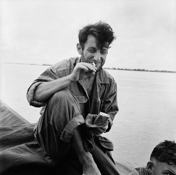 Пленный солдат на берегу Красной Реки авг 1954 Ж Лирон Ж Люссан