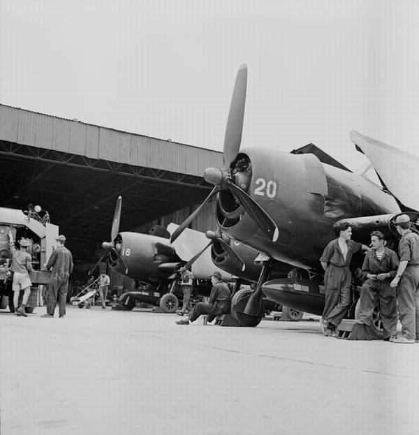Истр Hellcat 11 истр флотилии на базе в Кат Би апр 1954 П Коркюф