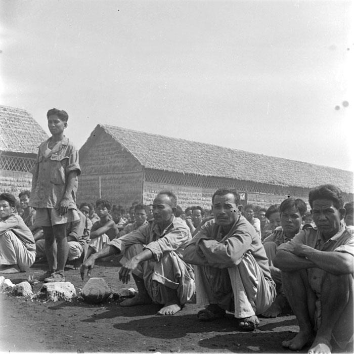 Ежедневная поверка пим утром лагерь Компонг Шам май 1952