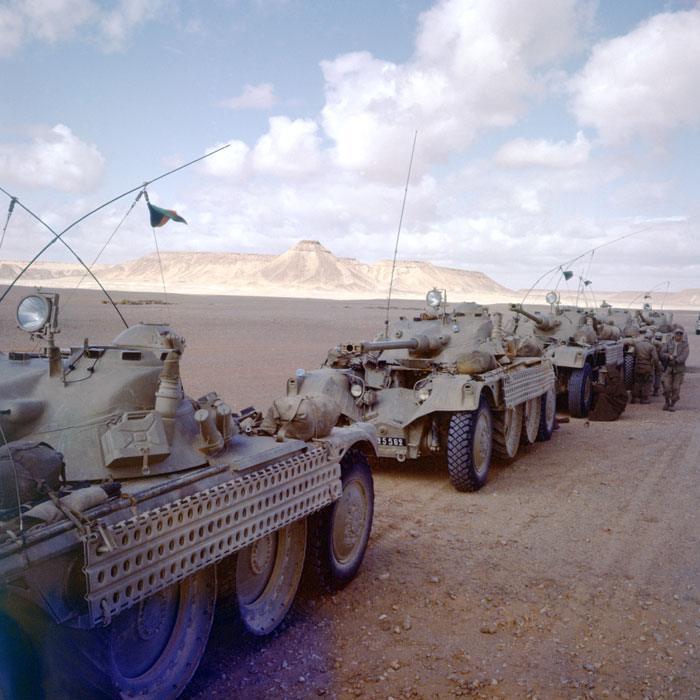 04 Колонна развед бронеавтомобилей ИЛ остановка возле форта Флаттер фев 1958 Ж Додю