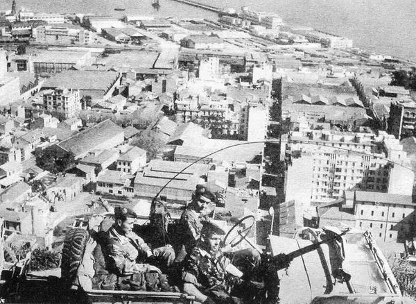 06 Парашютисты в Алжире