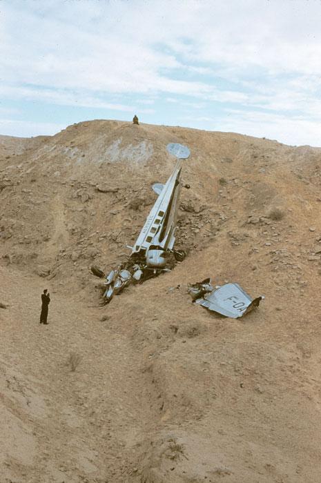 Самолет разб из за песч бури