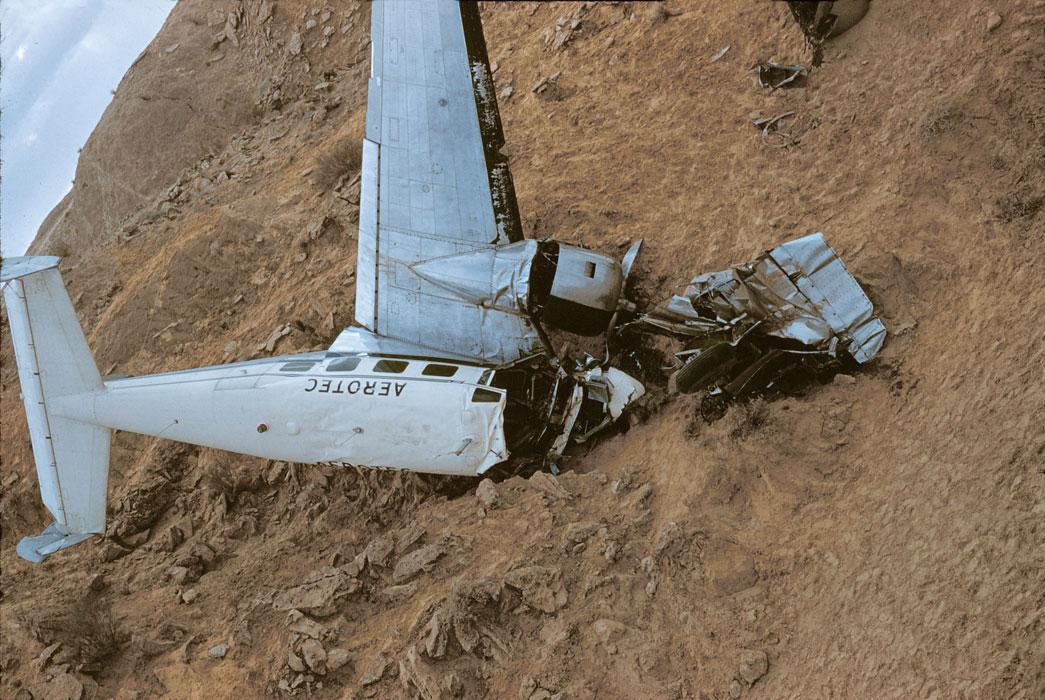 Самолет разб из за песч бури2