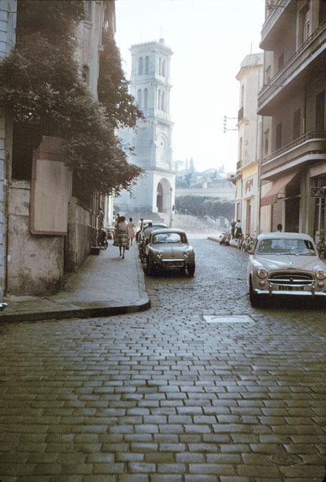Улица ведущая к церкви в Боне