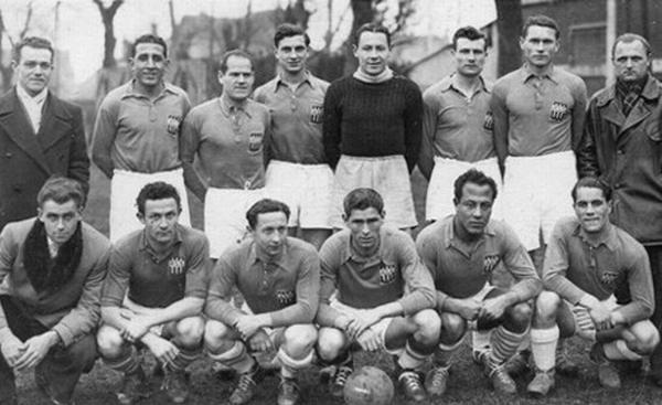 Команда Сент Этьена Кадер Фируд вт справа внизу 1945 1946