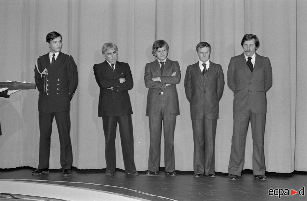 Оф показ фильма КБ Шендерыера с командой Рауль Сутар Жак Перрен Пьер Шендерфер Жан Рошфор 15 ноября 1977 Ф Арбюс