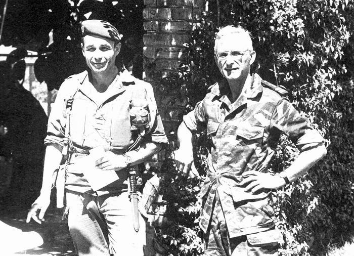 Полк Эрюлен  и полковник Грас 1978 Бержес