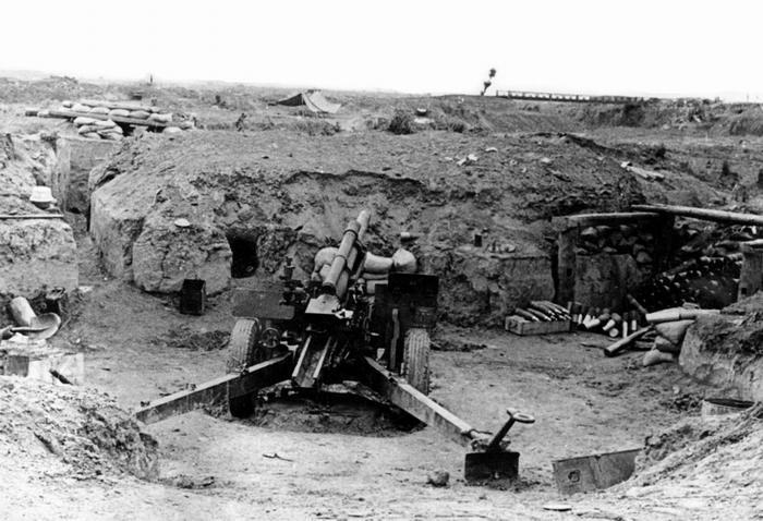 Гаубица 105 калибра в ДБФ 13 17 марта 1954 Камю Перо