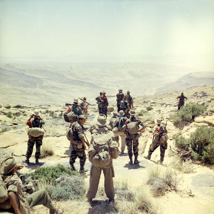 Легионеры 2 пех полка на вершине утеса во время операции Прометей апр июнь 1960 М Фламан