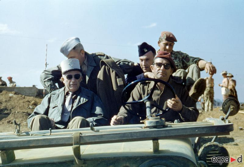 Генералы де Линарес и Жиль в На сане 13 дек 1952