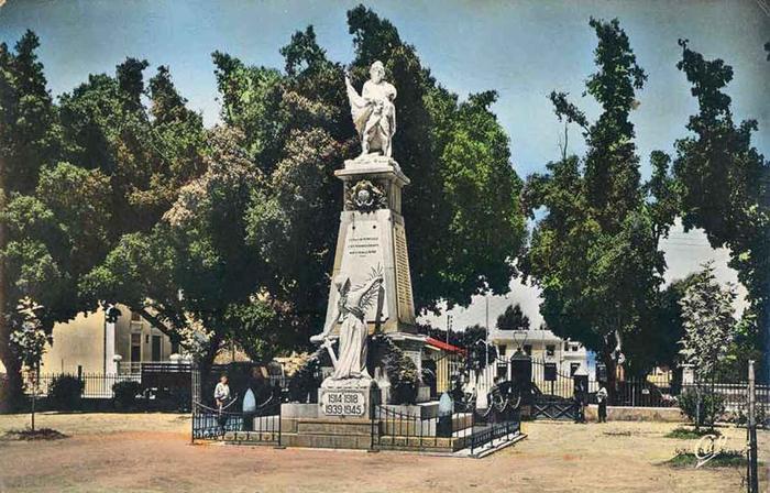 13 Перрего Памятник павшим