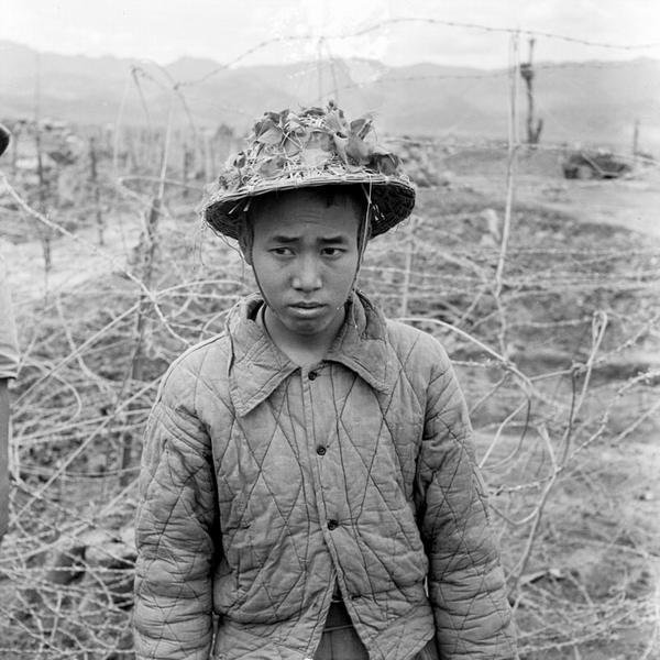 Пленнный март 1954 Камю Перо