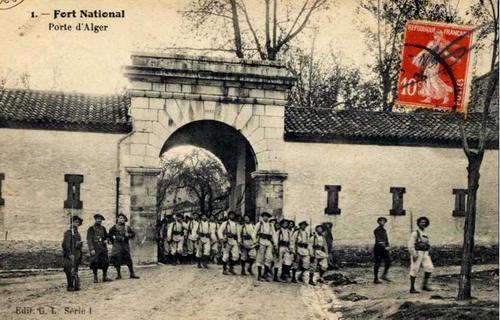 Форт Насьональ Алж ворота