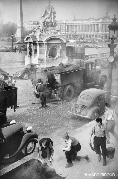 Париж в 1953 году.