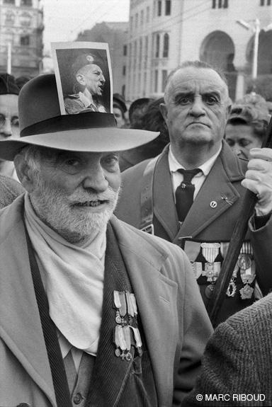 фото Массю на шляпе 1960 янв