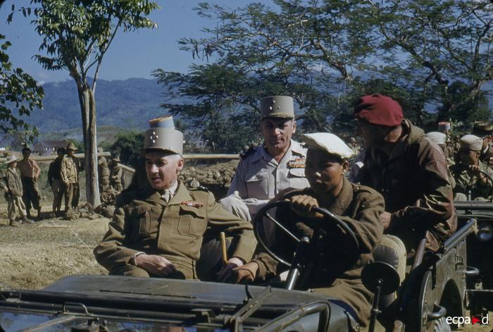 Инспекция в составе ген Наварра  Коньи и Жилля 29 нояб 1953 Р Кутар