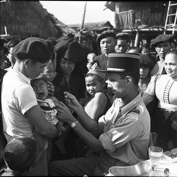 Кап мед сл Ле Дамани вакц тайских детей фев 1954 камю