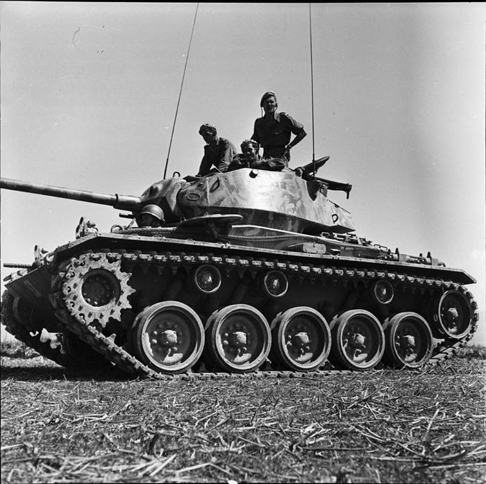 Танк М24 фев 1954 Камю
