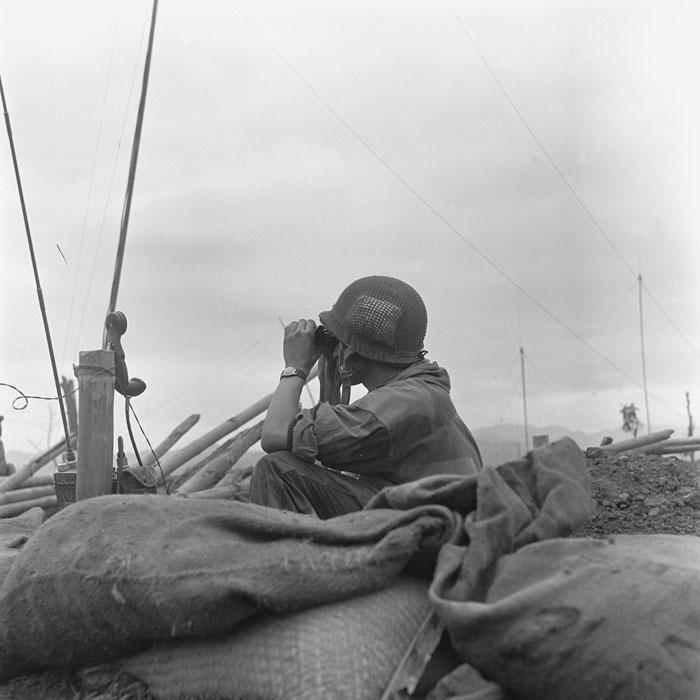 Парашютист набл за вьет поз март 1954 камю перо