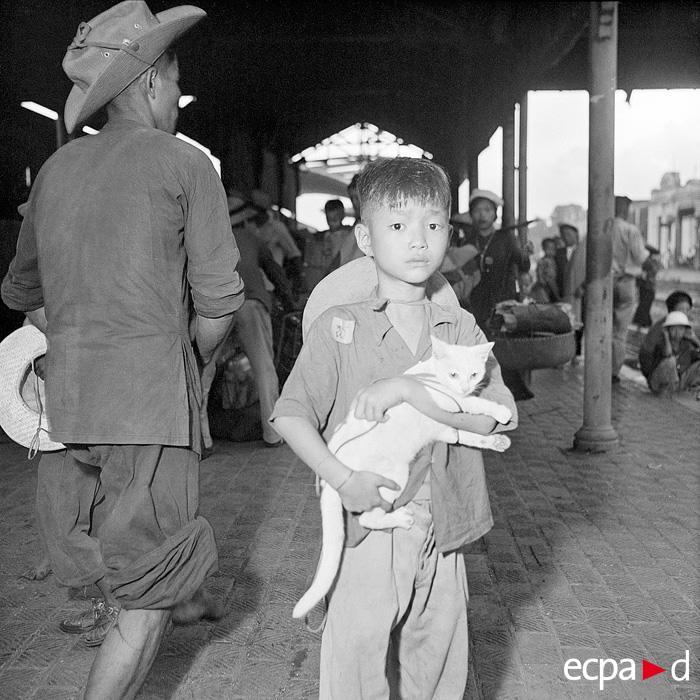Беженцы на вокзале в Ханое 16 авг 1954 Ж Люссан