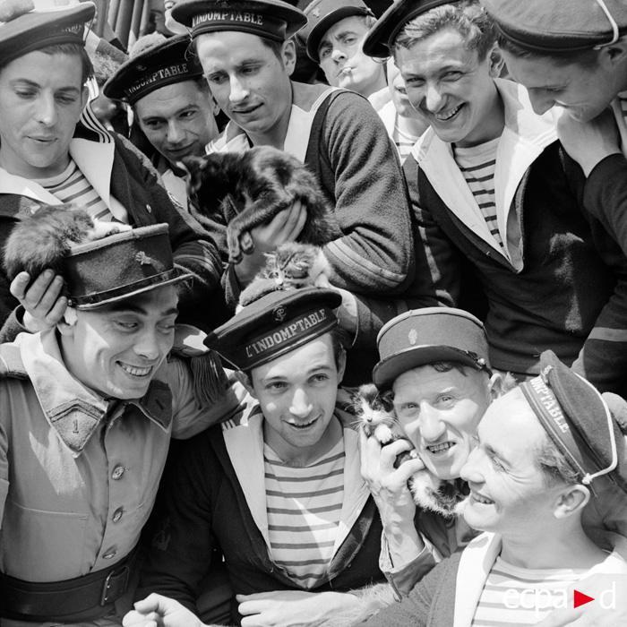 Визит легионеров на Неукротимый май 1940 Жирар