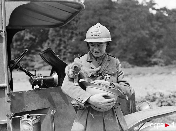 Женщина-водитель нагр воен крестом с тал взвода 5 июл 1918 Ж Ридель