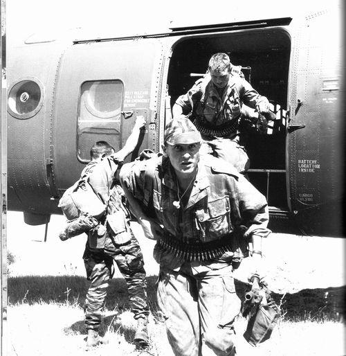 Парашютисты вертолет