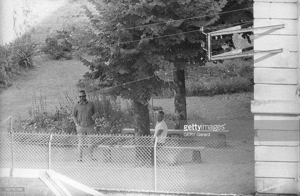 Шалль в тюрьме Тюлля с трубкой 4 июля 1961